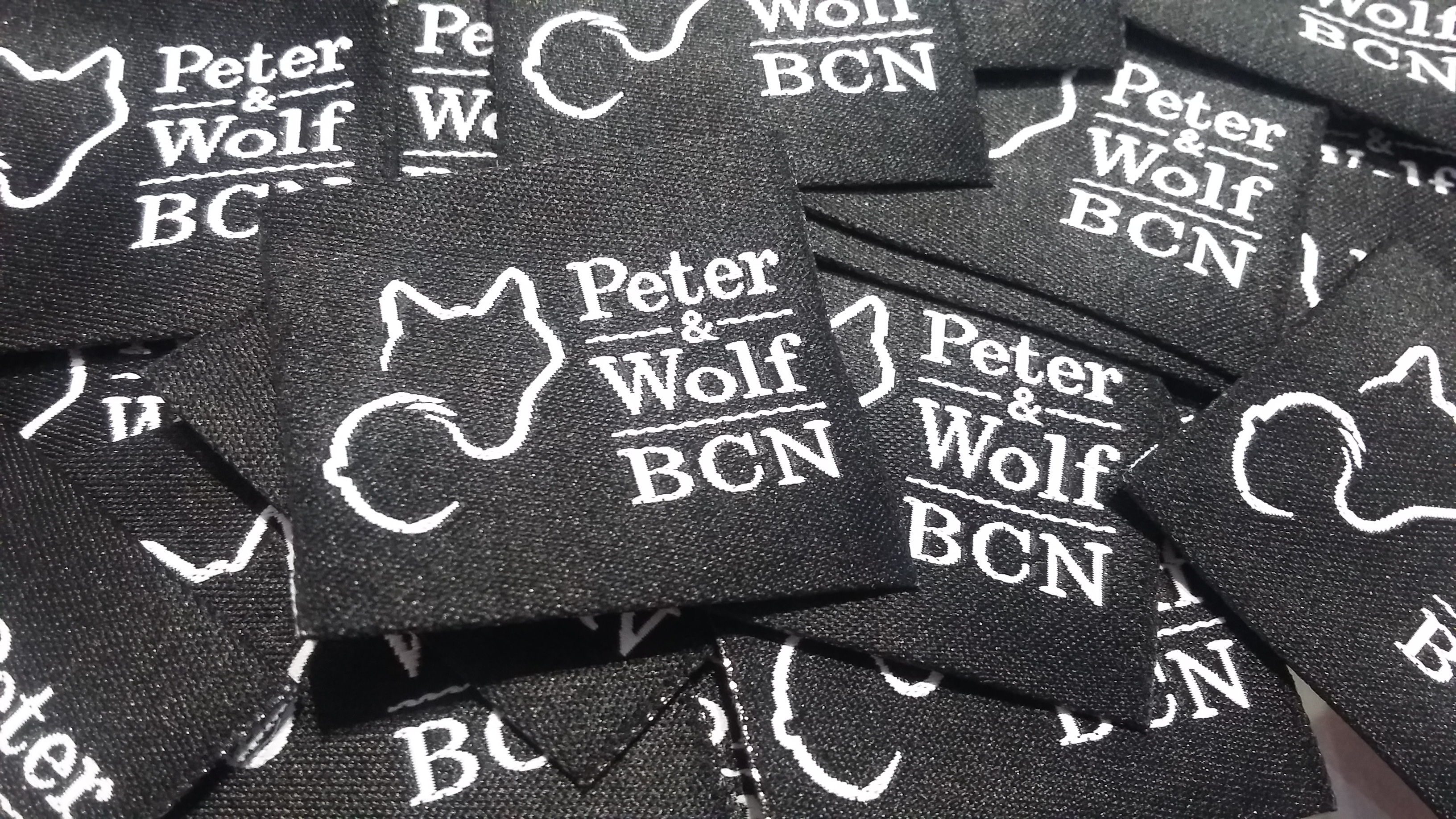 Etiquetas Peter & Wolf BCN